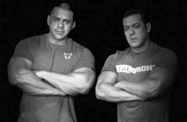 Abdullah and Salman Khan (Photo: IANS)