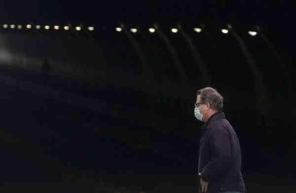 A man wears a mask in San Francisco (AP Photo/Jeff Chiu)