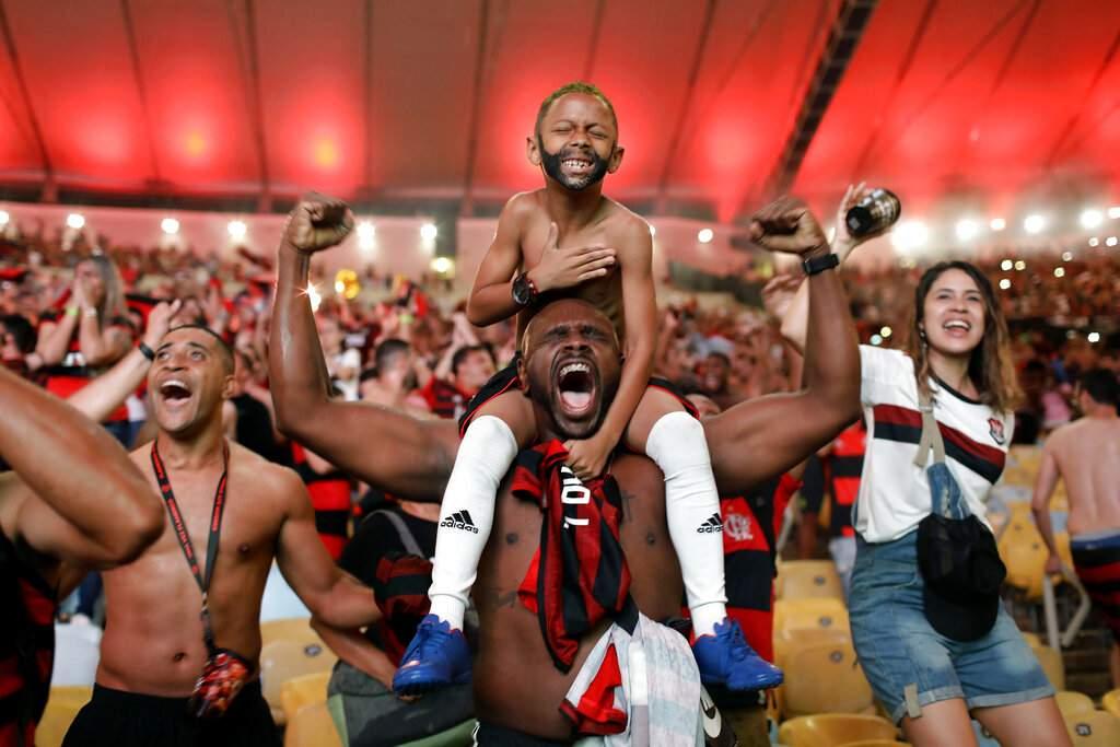 Silvia Izquierdo won second prize in Sports Singles for this pic of fans of Brazil's Flamengo football team in Rio de Janeiro. (Silvia Izquierdo, The Associated Press, World Press Photo via AP)