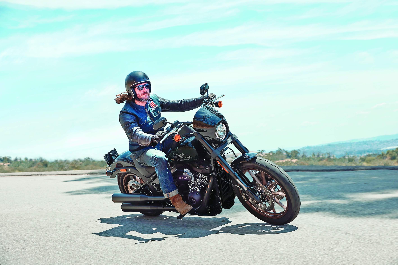 Harley-Davidson_Low_Rider_S_02