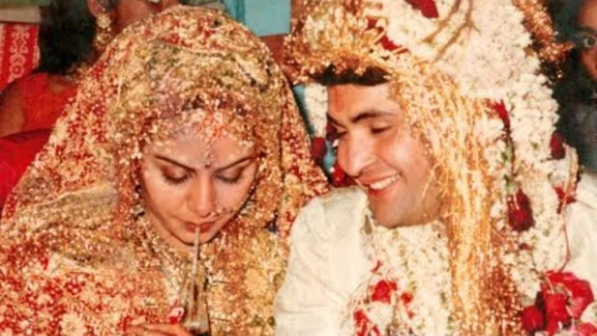 Neetu_Kapoor_and_Rishi_Kapoor_at_their_wedding