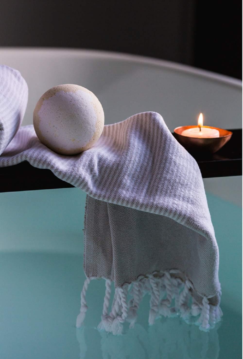 >>Ressourcez vos sens avec la bombe de bain DIY de l'aromathérapeute Pooja Nagdev Bien-être