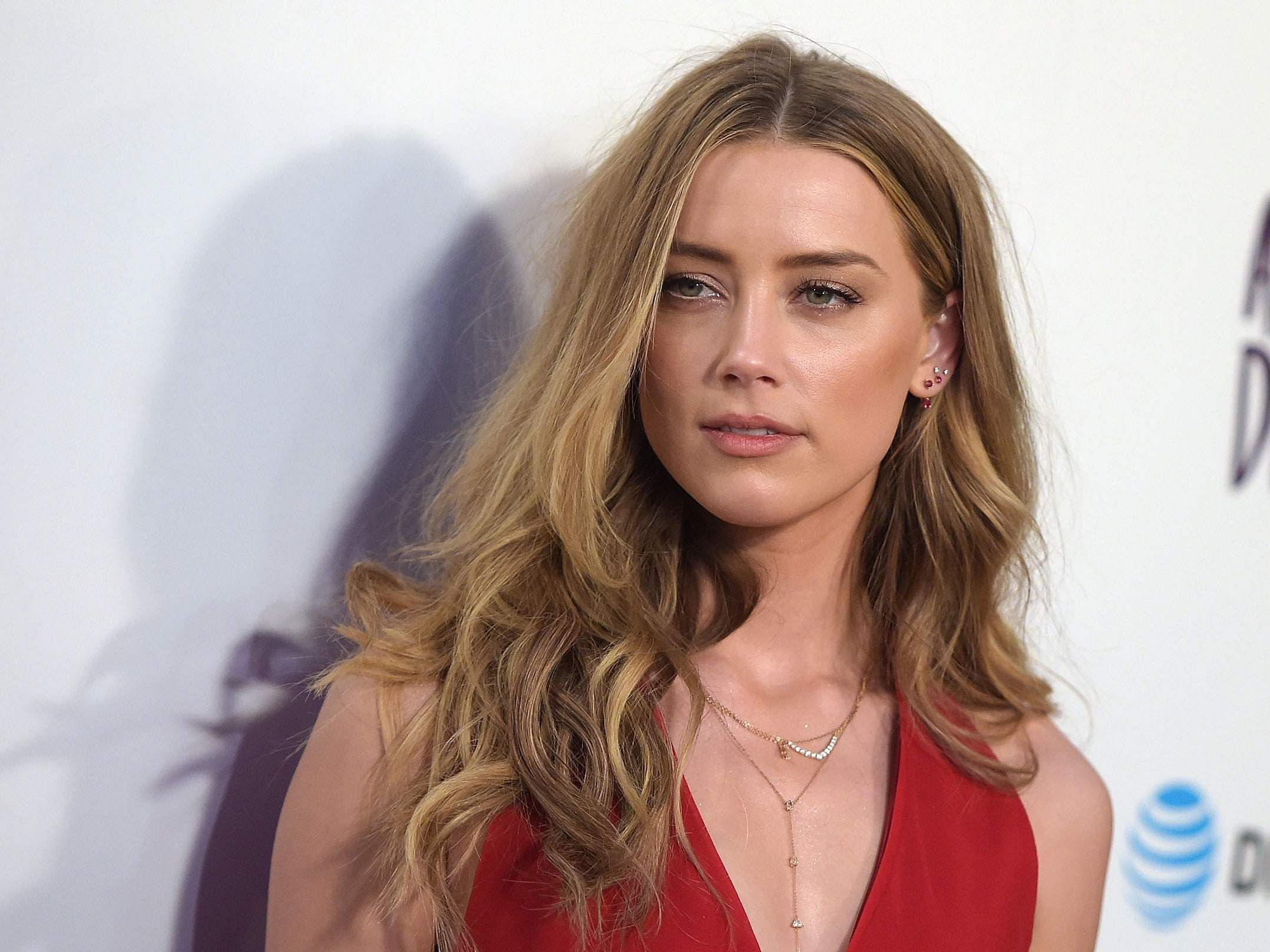 Amber Heard's mother passes away, actor shares emotional post on Instagram