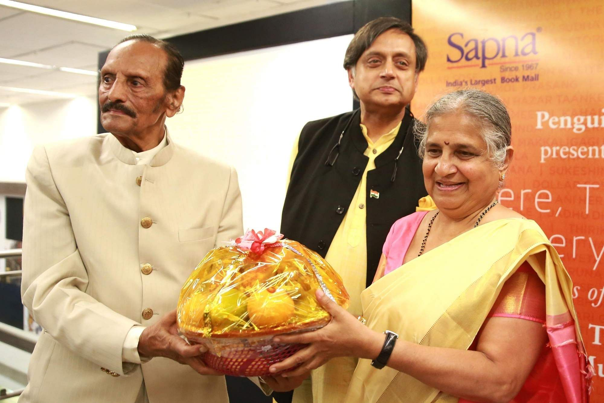 Nissar Ahmed, Shashi Tharoor and Sudha Murthy (Photo: IANS)