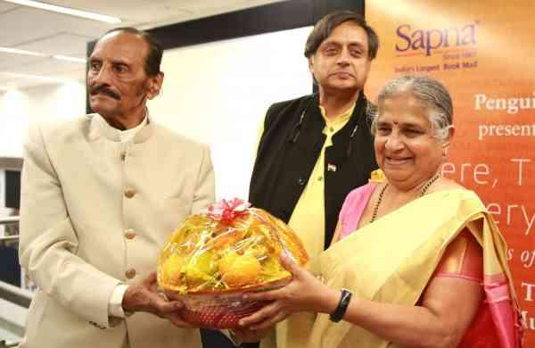 Nissar Ahmed, Shashi Tharoor and Sudha Murthy (Photo: IANS)