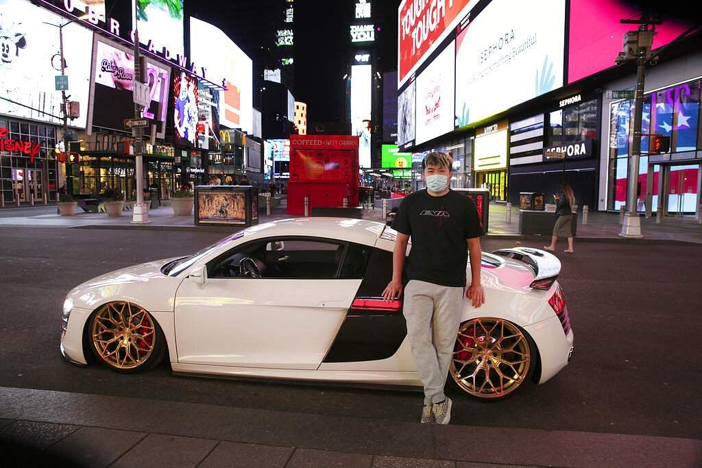 Times Square Turns To Tokyo Drift Gridlock Gone Sports Car Collectors Take Over Broadway