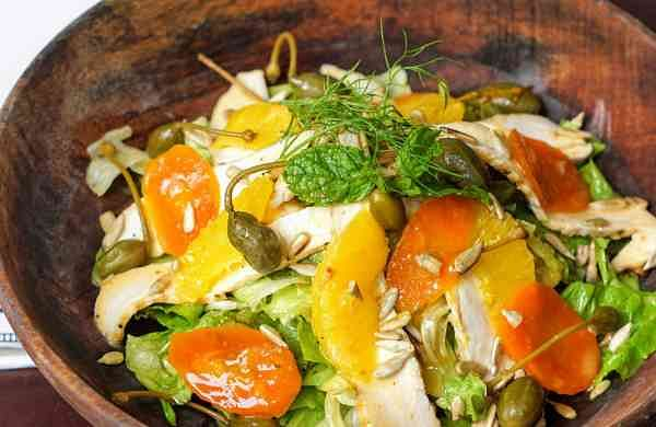 Smoked_Chicken_with_Citrus_Salad