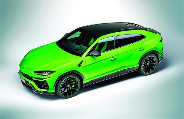 Lamborghini_Urus_Pearl_Capsule_-_Green_Rear