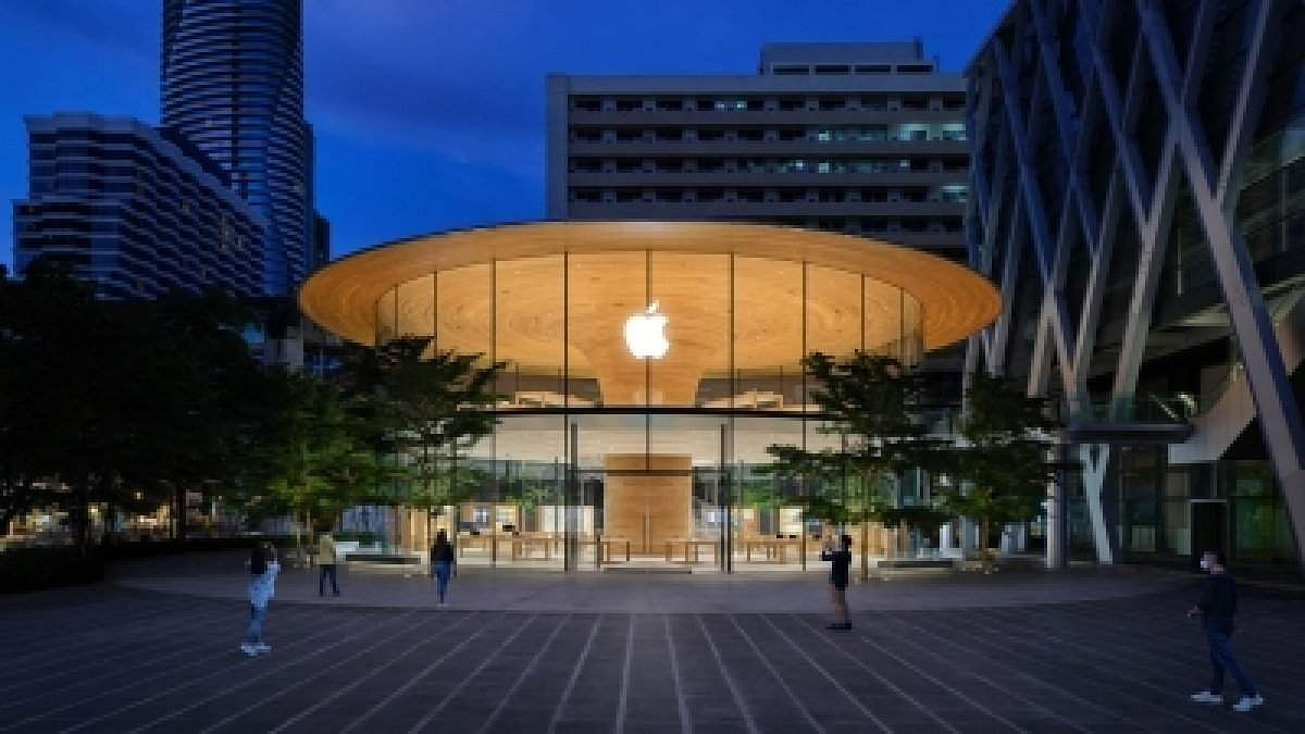 grand-apple-central-world-to-open-in-thailand-on-friday-5f20fad65c3f3-1595996886