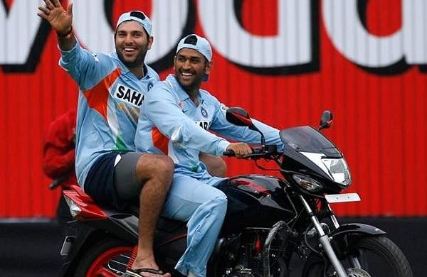 dhoni-on-bike-2