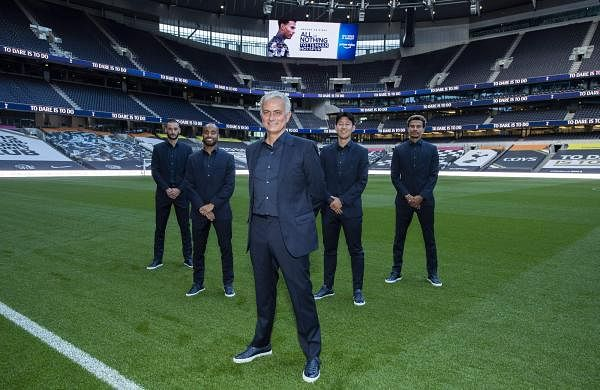 José Mourinho with star players of Tottenham Hotspur