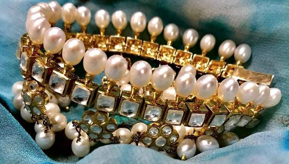 Pearls_Dimonte_white_and_gold_cuffs_by_Gauri_himatsingka