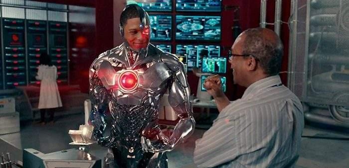 justiceleague-cyborg-silasstone-lab-700x338