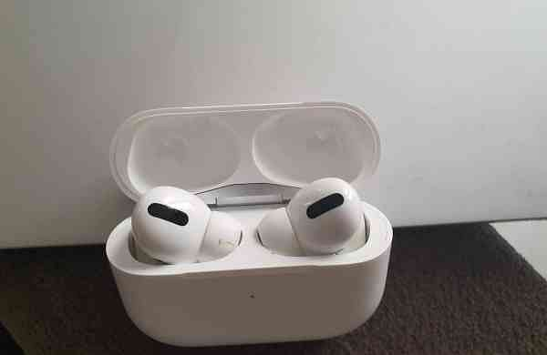 Report:Apple patents iPhone cases that can charge AirPods