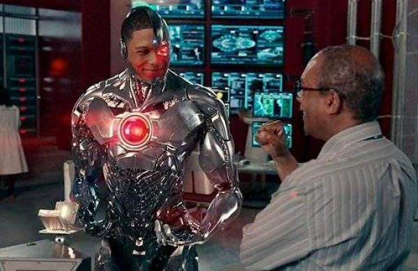 justiceleague-cyborg-silasstone-lab-700x338