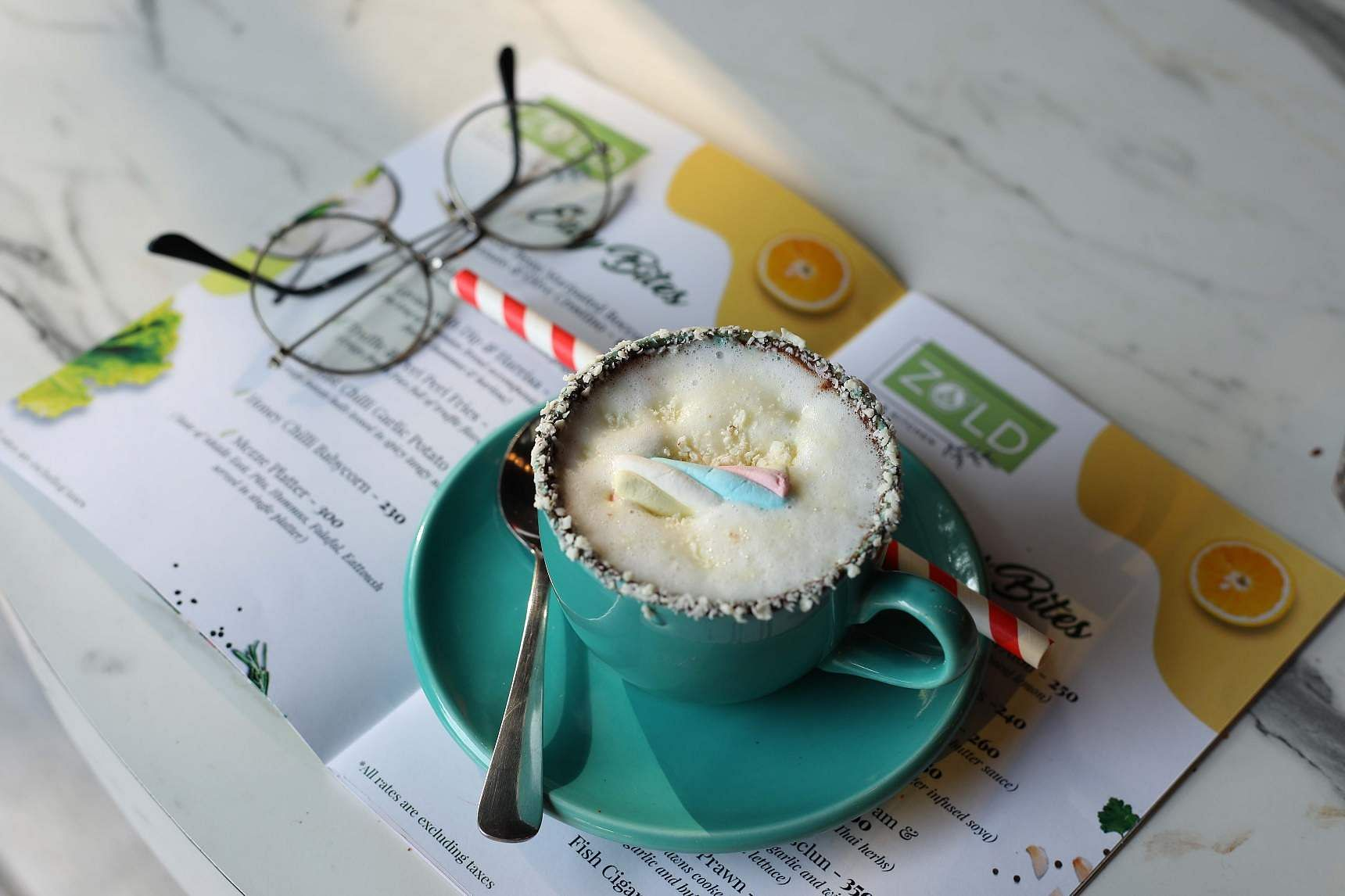 white_hot_chocolate_at_zold