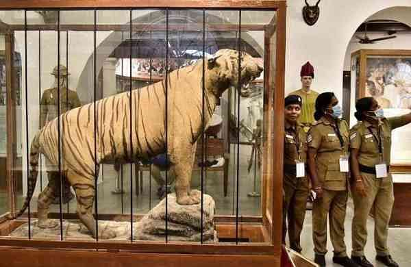 Lady police officers click a selfie at Tamil Nadu Police Museum at Egmore in Chennai. (Photo| P Jawahar, EPS)