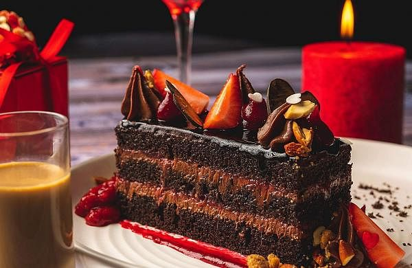 Dark_Chocolate_and_Strawberry_Mudcake