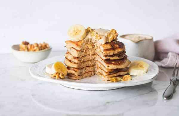 Fluffy_Banana_walnut_Pancakes