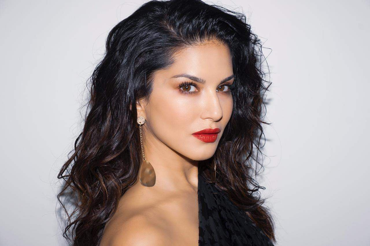 Sunny Leone Cheating Case