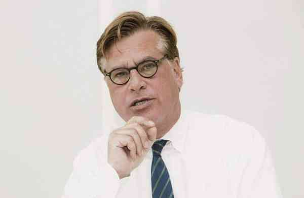 Aaron Sorkin wins Golden Globes Best Screenplay - Motion Picture for The Trial of the Chicago 7