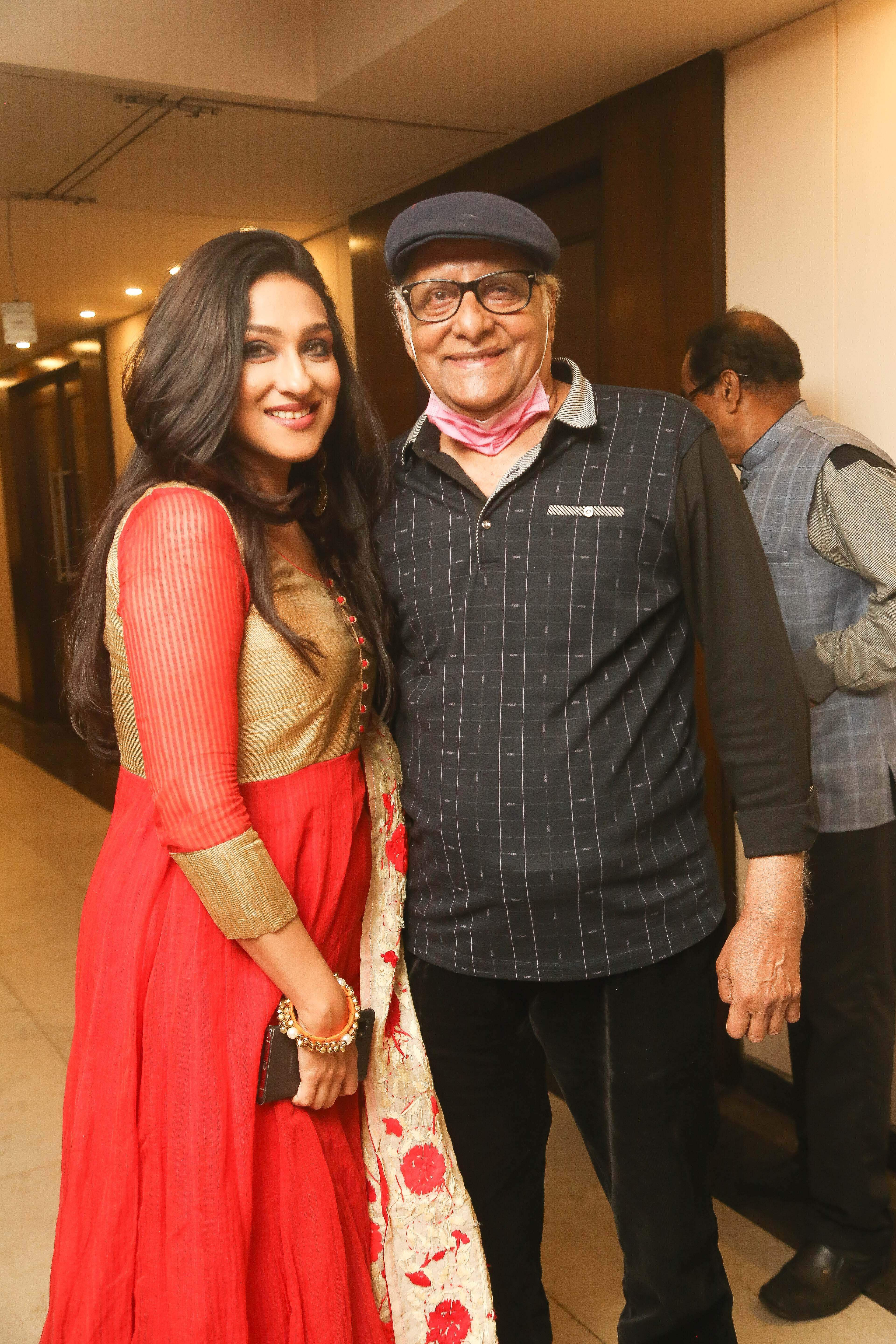 rituparna_sengupta_and_paran_bandopadhyay_BEAUTIFUL_LIFE