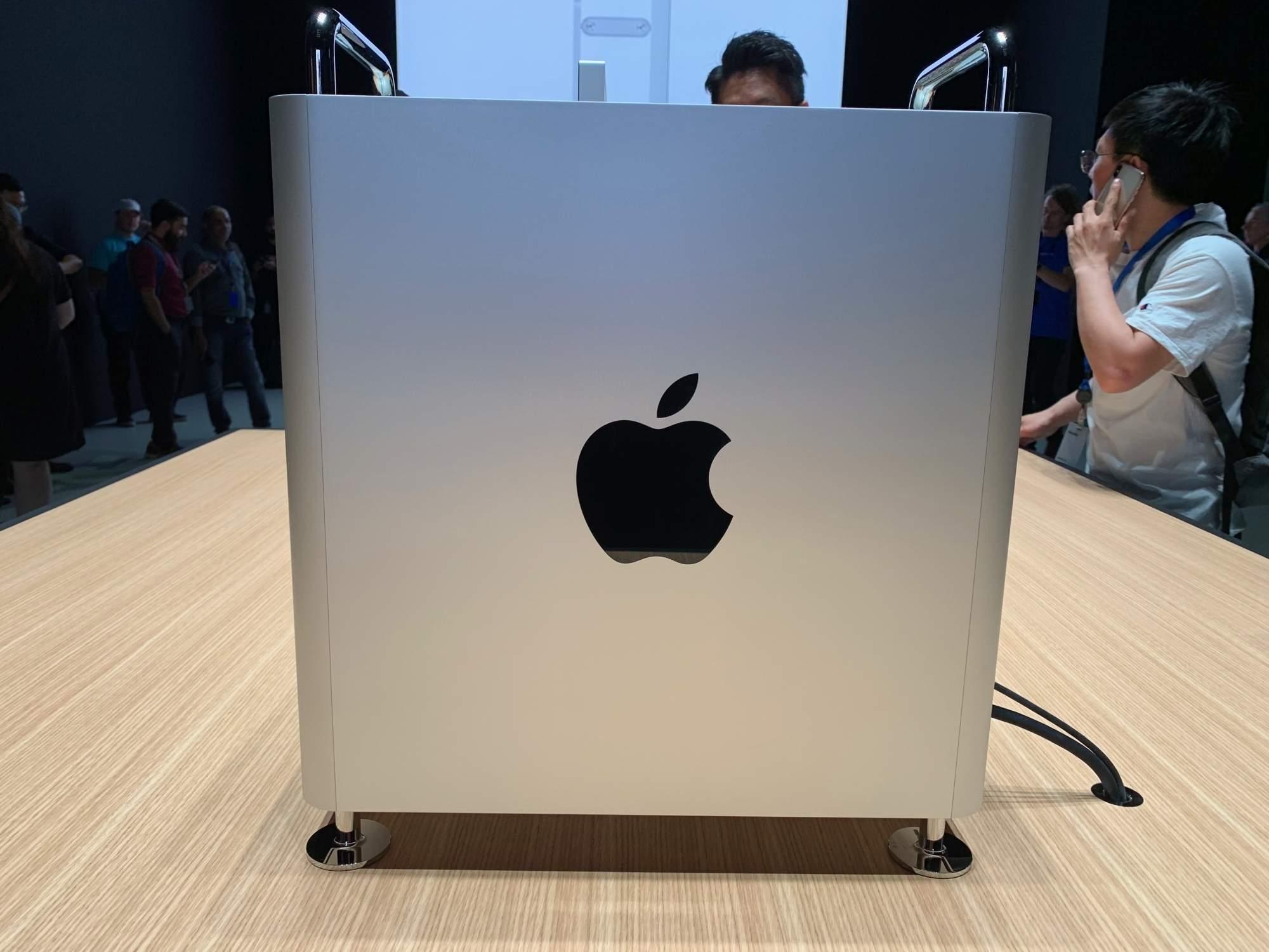 Report:iOS developer sues Apple over alleged app monopoly
