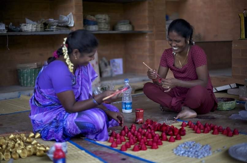 Women artisans at Wellpaper Auroville
