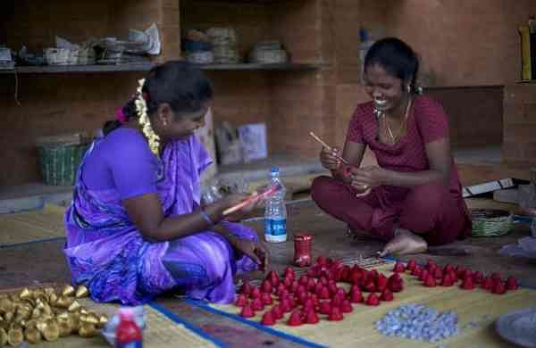 Women artisans at Wellpaper Auroville