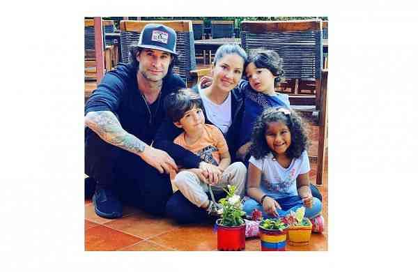 Sunny Leone flanked by Daniel Weber and their children, Image Courtesy: Her Instagram