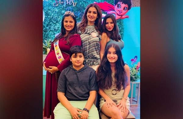 Raveena Tandon with her daughters and grandchildren