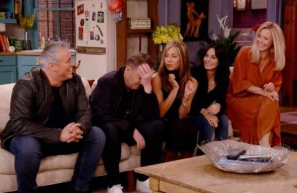 The FRIENDS cast reunite on screen