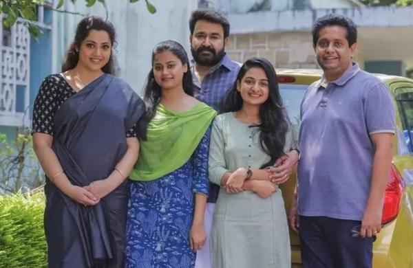 Drishyam 2's Hindi remake rights acquired by Panorama Studios