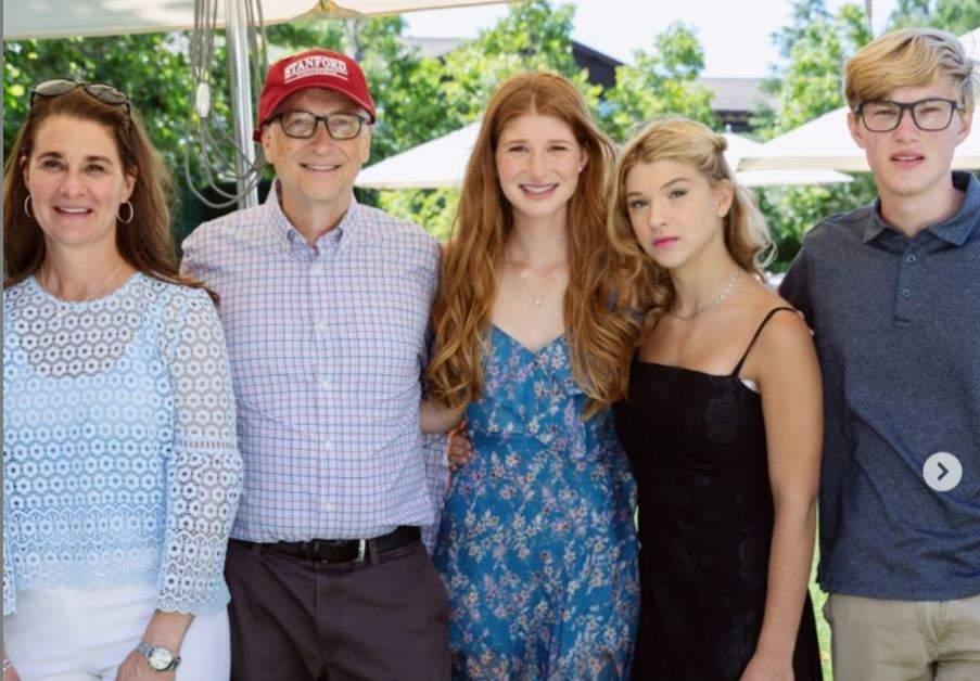 Bill Gates and Melinda Gates and his family