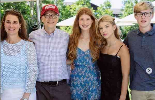 Bill Gates and Melinda Gates and his family