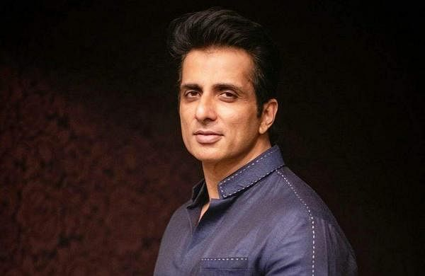 Sonu Sood And His Team Arrange For Oxygen Cylinders