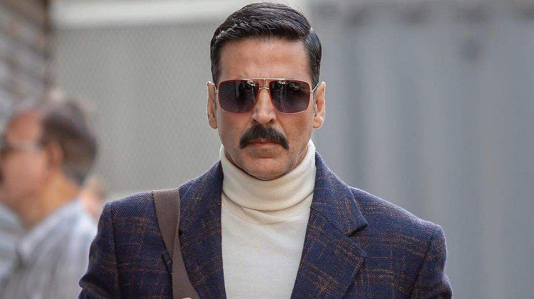 Akshay Kumar resumes shooting for Prithviraj