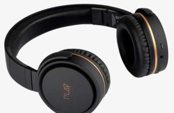 PLAY unveils two wireless headphones