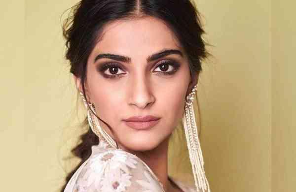 Sonam Kapoor Pregnancy Rumours