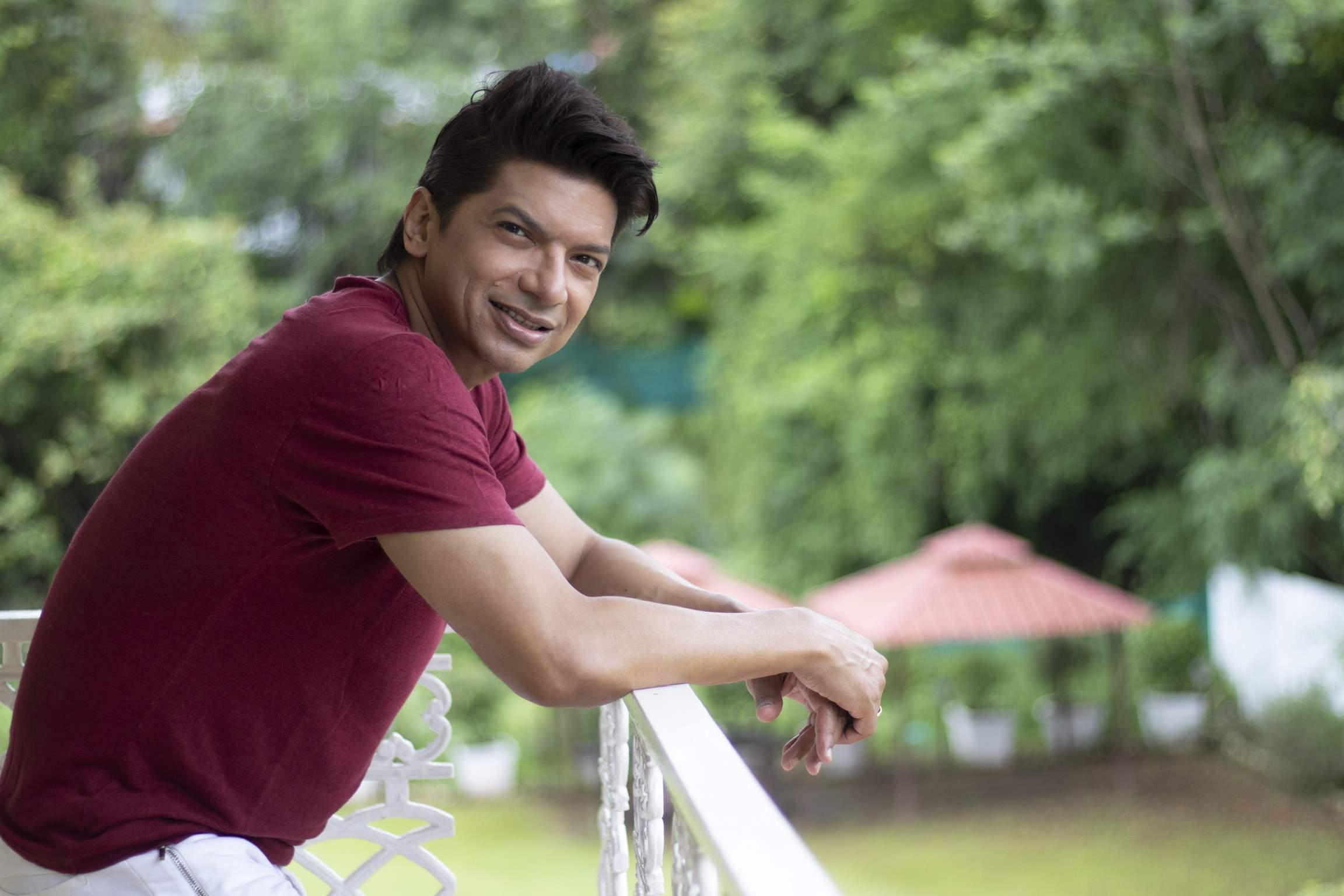 Shaan releases his single Majboor Ho Gaye