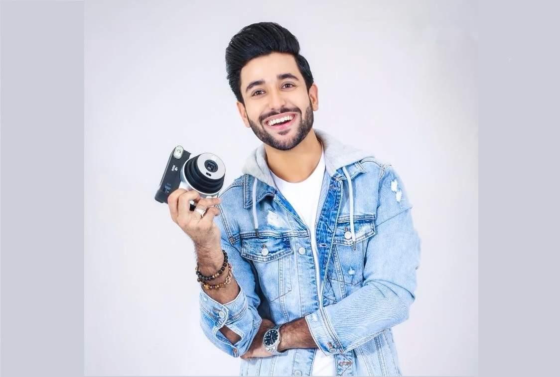Madhav Mahajan singer