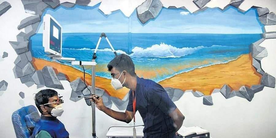 Paintings near Government Multi Super Specialty Hospital in Omandurar Estate