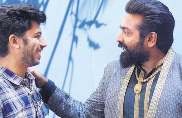 Annabelle Sethupathi director Deepak Sundarrajan with Vijay Sethupathi