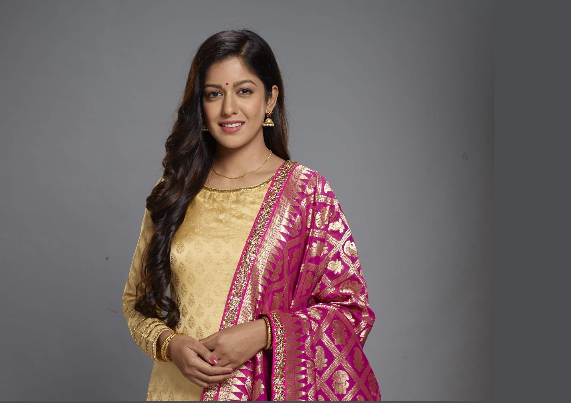 Ishita Dutta as Kajol Mukherjee
