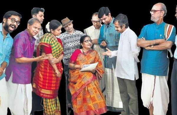 Director Dharini Komal with the crew
